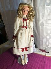 porcelain dolls by Jan Mclean desired artist. Coa 457/100 Name is Pollyanna