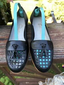 Pappagallo BLACK leather loafers/flats/shoes WITH CUTOUT FRONT &  TASSEL - 6 1/2