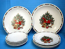 O'Christmas Tree 2-Dinner 3-Luchen Pates 4-Saucers Holiday Dinning Set Red Green