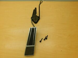 ACCELERATOR GAS PEDAL ASSEMBLY 1971-1976 GM FULL SIZE 71BE1-1X9