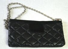 CHANEL : pochette sac COCOON en nylon matelassé noir. Black nylon bag clutch.