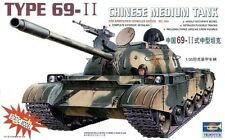Trumpeter 1/35 Chinese Medium Tank Type 69-II Motorized 304