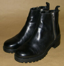Urban Outfitters Dual Zippered Boots     Size Women 7