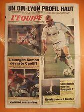 L'équipe 16621 du 15/10/1999-OM-Lyon profil haut-L'ouragan Samoa dévaste Cardiff
