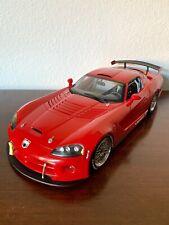 Top-Autoart Dodge Viper 2004 competition car Plain body rojo en 1:18 Limousine Edit.