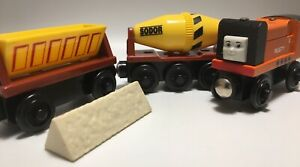 Thomas Wooden Railway NR MINT! '01 Rusty Mixer Dumper Cement Cargo Train Set Lot