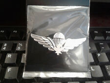 FOREIGN BADGES- CANADIAN JUMP WINGS ( WHITE MAPLE LEAF)