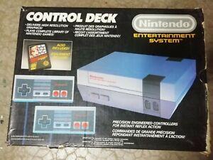 Console Nintendo NES en boite avec Zapper