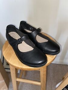 NEW Clarks Women's Ultimate Comfort Mary Jane Shoes Cushion Black Size 10