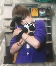 JUSTIN BIEBER SIGNED 8X10 PHOTO TEDDY BEAR CUDDLE W/COA+PROOF RARE WOW