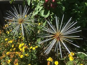 Pair Of Silver Allium Metal Flower Garden Stake Ornament Statue Plant 98cm