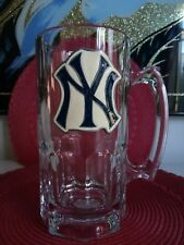 NEW YORK YANKEES LOGO OFFICIAL MAJOR LEAGUE BASEBALL JUMBO BEER MUG heavy glass.