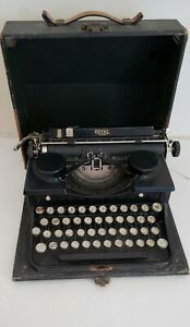 Vintage Royal Black Typewriter Model P W/ Carry Case -For Parts or Repair 1930's