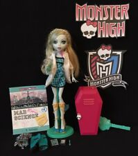 LAGOONA BLUE CLASSROOM DOLL & ACCESSORIES - MONSTER HIGH, 2011