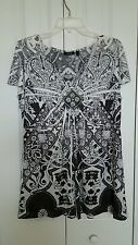 Apt 9 Woman size1X black white gray embellished accent short sleeve top
