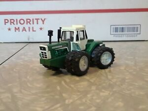 Oliver 2655 4WD 2005 National Farm Toy Show By Ertl 1/64th Scale