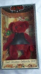 """1992 GUND CHRISTMAS BEAR COLLECTIBLE - 9"""" RED BODY, BLACK APRON"""