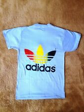 ADIDAS  T-Shirt blau Farbe Regenbogen Jahre, Größe S, neu