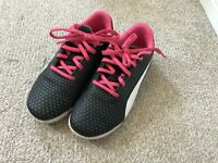 PUMA Girls Black and Pink Trainers PE School Shoe Lace Fastening Size UK C1.5