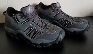 Cannondale Roam 7.5 mountain bike gray shoes.