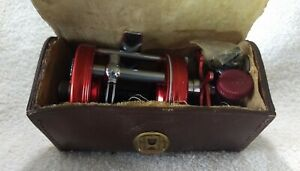 Beautiful condition Vintage Ambassadeur 6000 reel with Reel Case and extras.