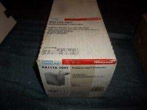 Honeywell RA117A 1047 Protectorelay Oil Burner Control