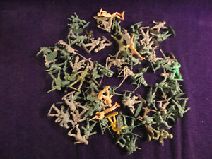 Vintage  Army  Assortment - Plastic Lot of 85