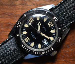 Vintage TIMEX Diver 200 Feet Manual Wind Date Watch Luminous Dial & Hands