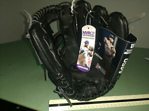New Wilson A450 Baseball Glove 11.5 Inch RHT Dustin Pedroia Replica