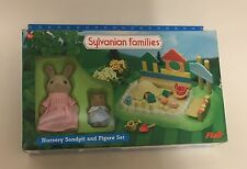 Sylvanian families guardería Arenero & Figura Set en Caja Completa signed for Post