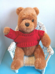 Classic Simply Pooh w/Red Sweater - Stuffed Animal - Disney Store - EUC