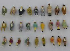 F51 - 27 unid. h0 figuras sentado 1:87 colección sentado viajeros para vagones