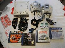 SEGA Dreamcast Konsole mit 2 Controllern, 4 Spielen