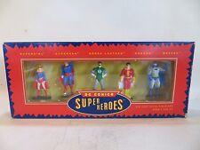 """DC Comics """"SUPER Heroes'S IN METALLO Statuette COFANETTO. Nuovo di zecca con scatola. SUPERMAN 1:32/54mm ecc"""