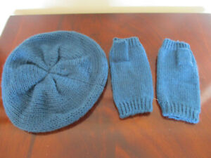 2 piece teal knitted beret/hat and fingerless gloves  - new