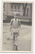 BP234 Carte Photo vintage card RPPC Enfant écolière avec panier repas