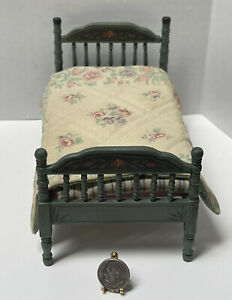 VTG Artisan T Blackford '87 Floral Spindle Bed & Quilt Dollhouse Miniature 1:12