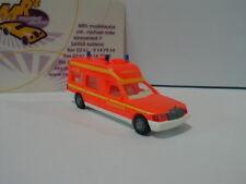 Wiking 0607 01 - Feuerwehr Krankenwagen (MB Binz) in tagesleuchtrot 1:87 NEU