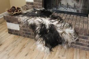 Genuine Icelandic Sheepskin Rug Throw – shade of black