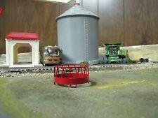 1/64 Custom Scratch-Cast Round Bale Feeder - Red