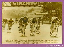 PHOTO PRESSE CYCLISME : TOUR DE L'AVENIR 1965,  L'ARRIVÉE AU SPRINT-I17