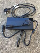 Giant Energypak Smart Charger - Model GLI270C 100-240V