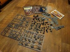 LOT OF WARHAMMER 40,000 & LORD OF THE RINGS--PIECES AND ACCESSORIES (LOOK)
