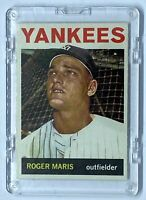 ROGER MARIS  Topps #225 with scratch box