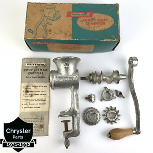 Vintage Universal No. 2 Food & Meat Chopper Grinder Set 3 Blades Original Box