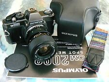 OLYMPUS OM2000 W/ 35-70MM LENS & CASE *35MM SLR CAMERA MANUAL *GORGEOUS & MINT!