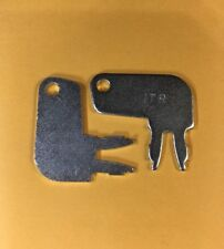 (2) 8H5306 Master Disconnect Ignition Key Fits Cat Caterpillar Equipment Battery