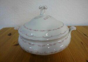 Alte Suppenterrine mit Deckel, Porzellan, weiß, Dekor in rosa, Oskar Schaller