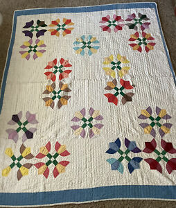 """VTG Cutter Quilt Tulips 80"""" X 65 """" Worn/Hole/Tatty/Stains Hand Quilted"""