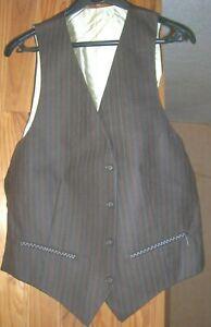 Gilet de costume ancien à rayures